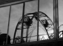 Thorsten Lasrich - Kokerei Zollverein - Spiegelung des Riesenrads im Fenster