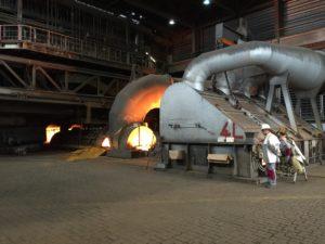 Stahlabstich am Hochofen 8 bei Thyssen Krupp Steel Europe AG